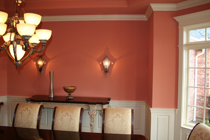 Raised Panel Wainscoting in a dinning room